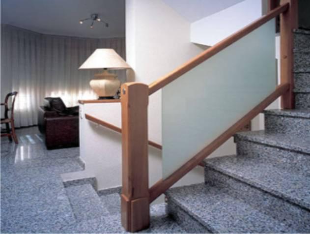 Escaleras Con Barandal De Madera Dimensiones De Una Escalera - Escaleras-de-cristal-y-madera
